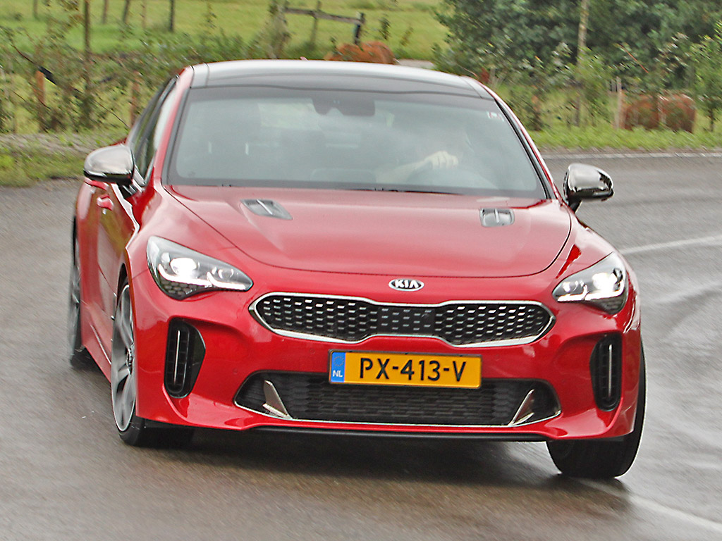 Kia Stinger AWD GT 3.3 Twin Turbo V6 2018 – autotest